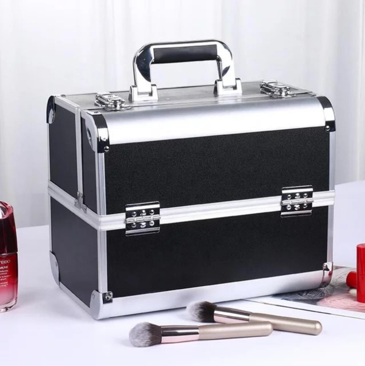 Б'юті кейс для косметики візажиста / валіза для майстра манікюру і бровиста, чорний
