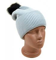 Вязанная шапка с помпоном светло-серая