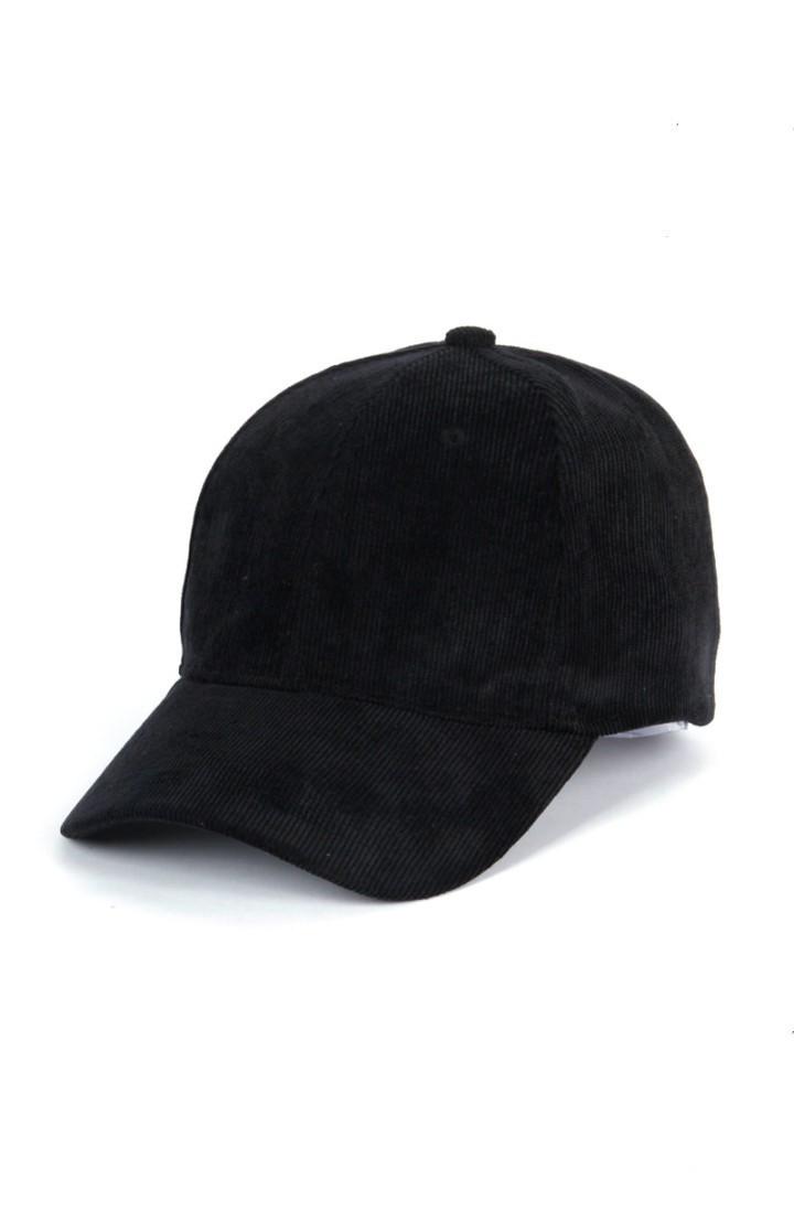Крута чорна кепка