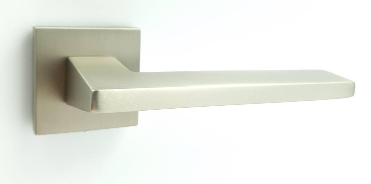 Ручка на квадратной розетке TRION ЦАМ FRESCO 49 MSN