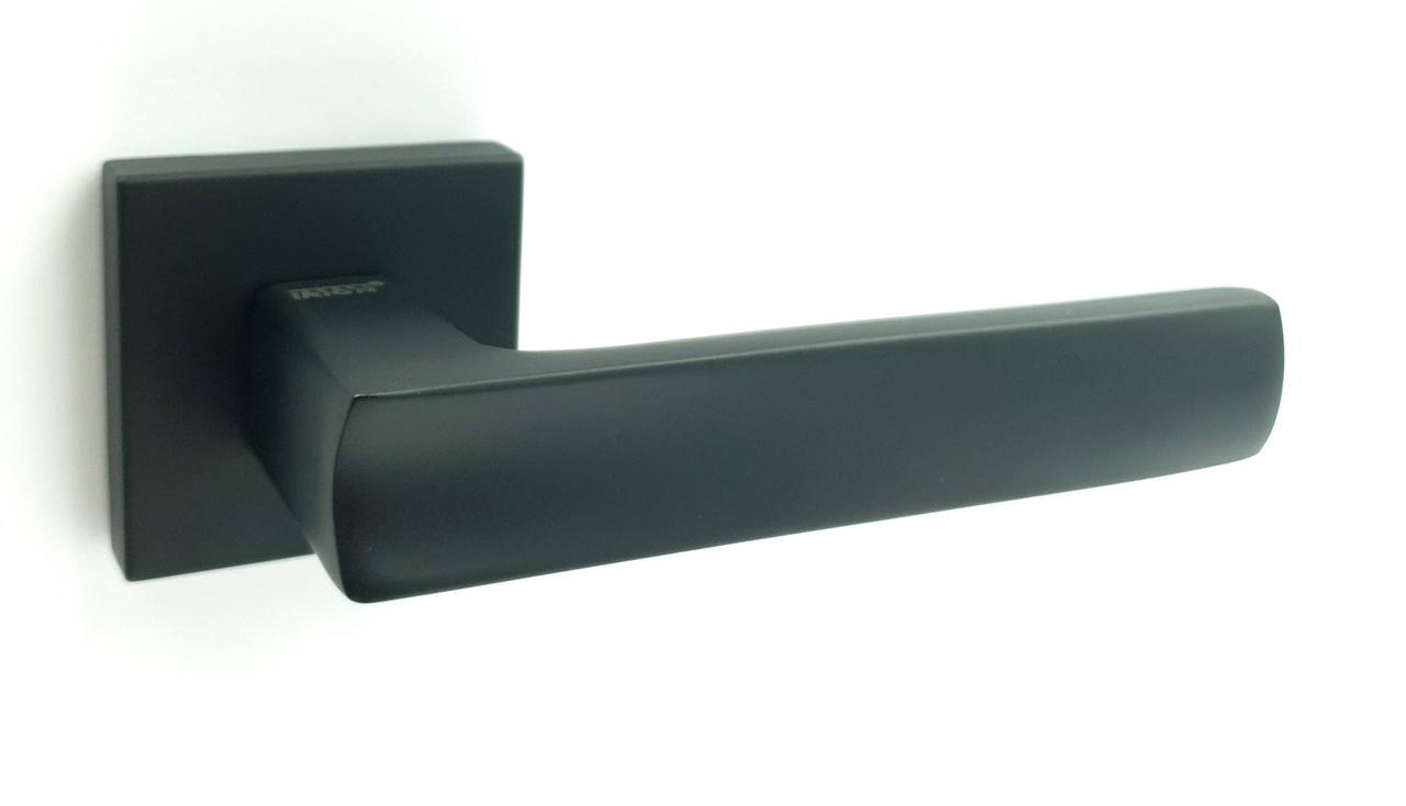 Ручка на квадратной розетке TRION ЦАМ LIBERA 49 Black
