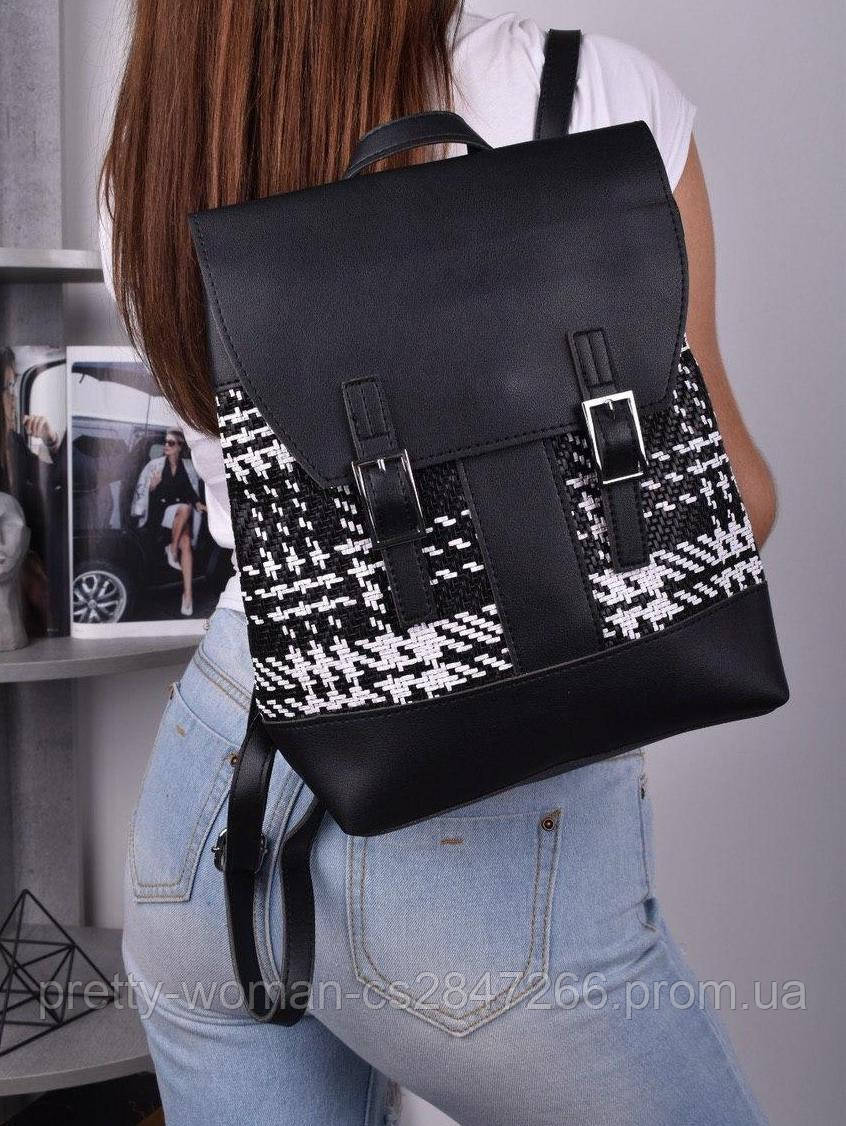 Жіночий чорний рюкзак код 7-8842