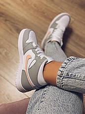 Кроссовки Nike Air Jordan 1 Mid женские кожаные, фото 2
