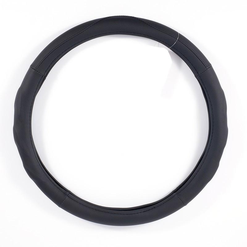 Чехол на руль M (37-39 см) из экокожи и белой резины CARLIFE черный с перфорацией (SW128M)