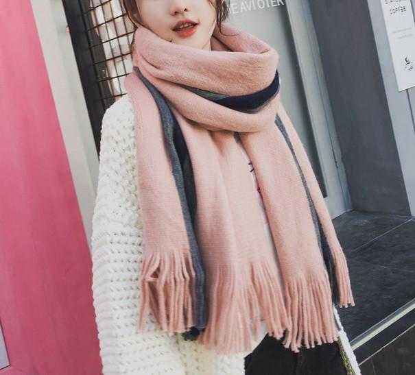 Широкий теплый шарф