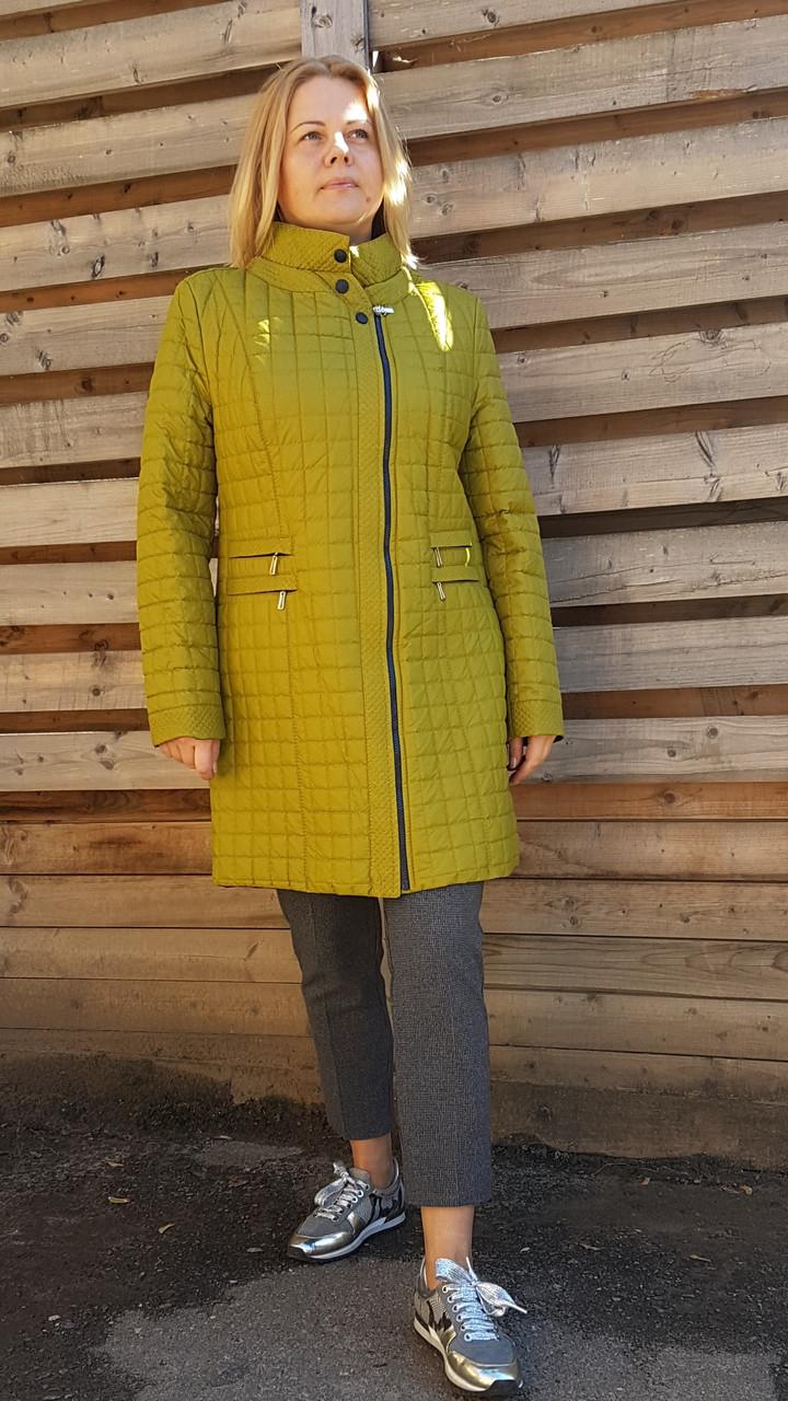 Женское демисезонное стеганое пальто оливкового цвета. Большие размеры
