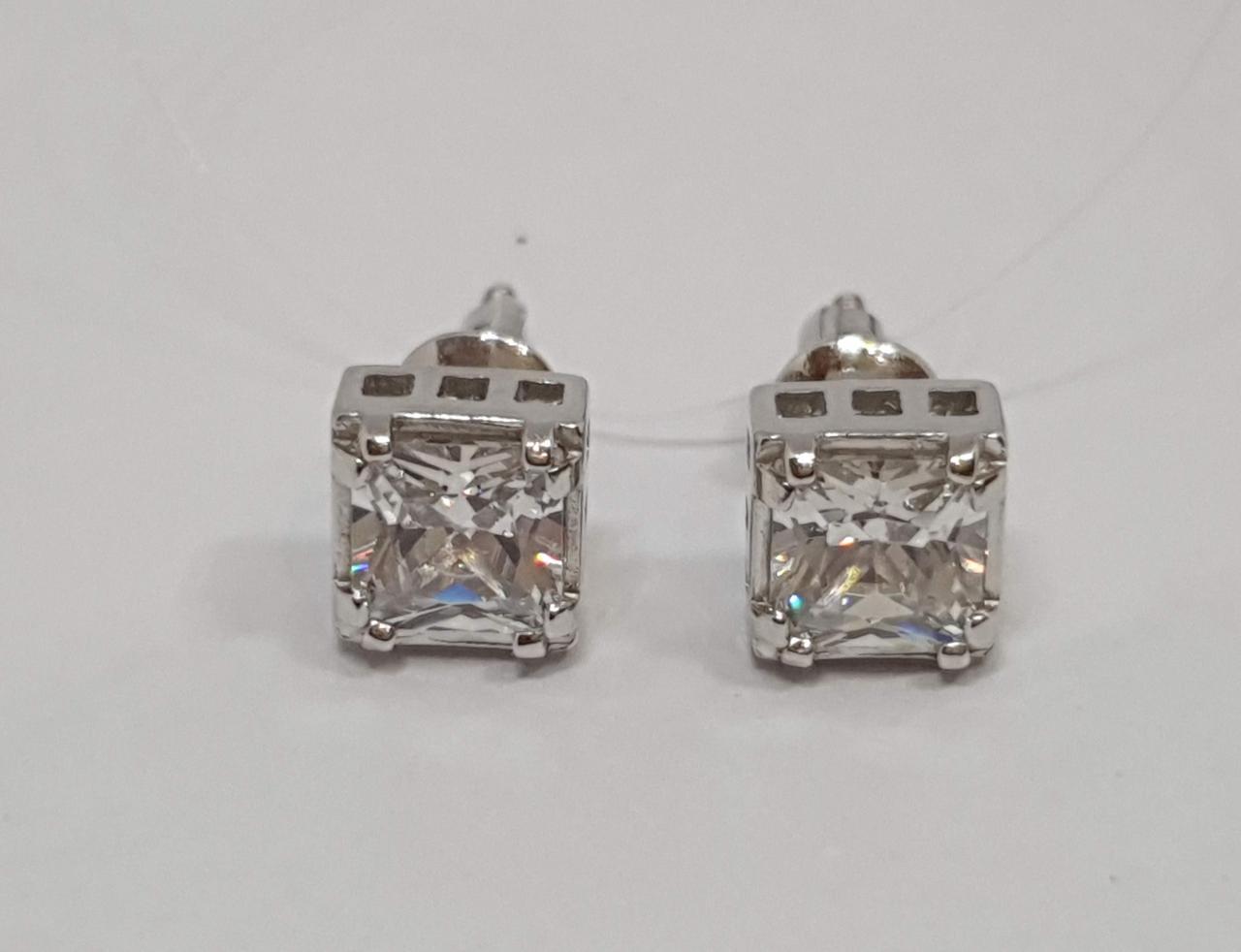 Серебряные серьги-пуссеты с фианитами. Артикул 3456.1С