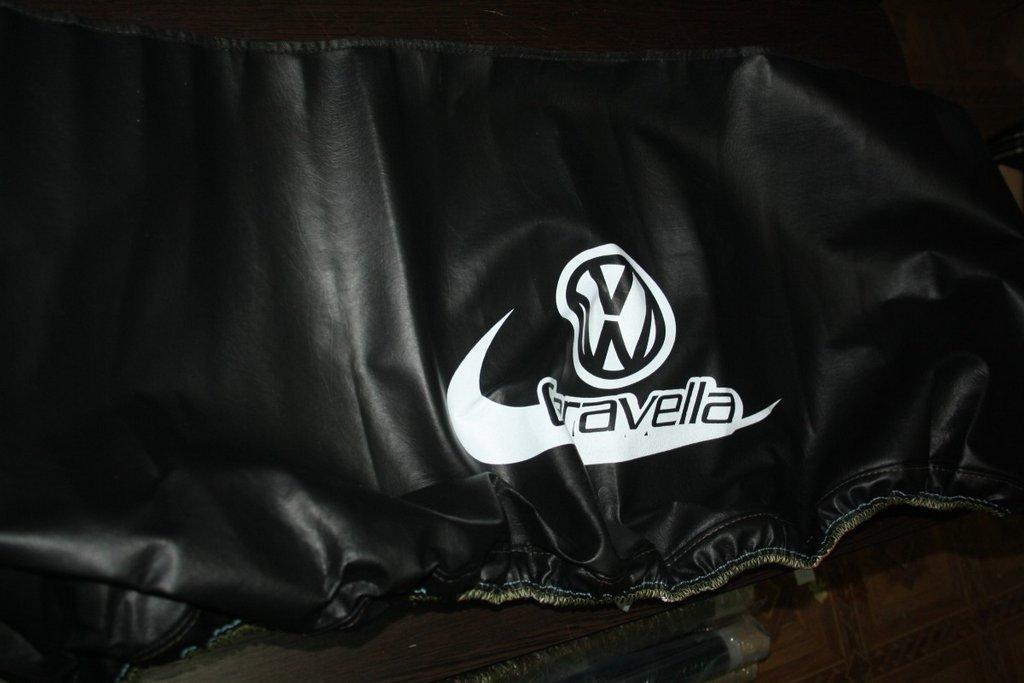 Чехол капота на косой капот (кожазаменитель) Volkswagen T4 Caravelle/Multivan / Чехлы на капот Фольксваген