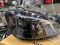 Передняя оптика (2 шт, темная) Mercedes ML W164 / Передние фары Мерседес Бенц МЛ