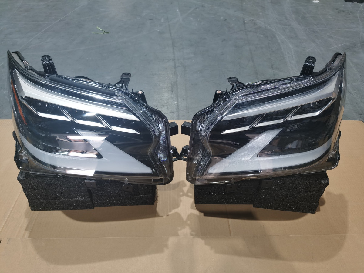 Оптика 2020 (2 шт) Lexus GX460 / Передние фары Лексус GX460