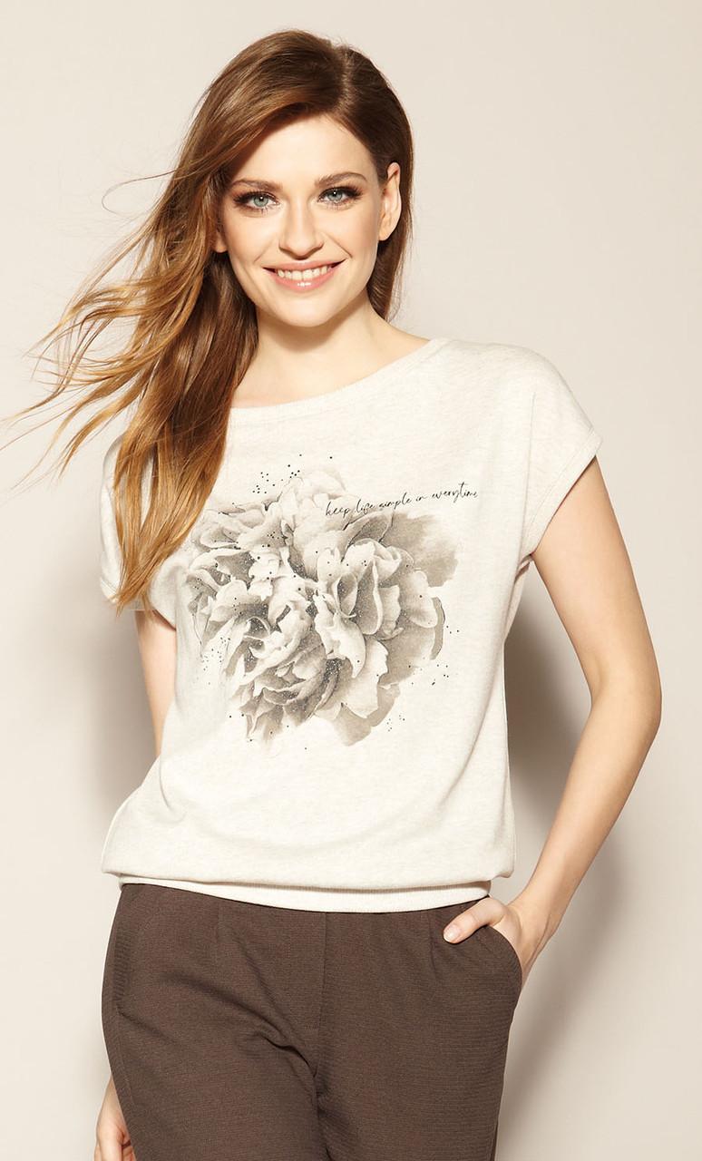 Женская летняя трикотажная блуза бежевого цвета. Модель Cantara Zaps, коллекция весна-лето 2021.