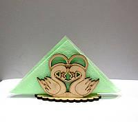 Красивая ажурная салфетница из дерева