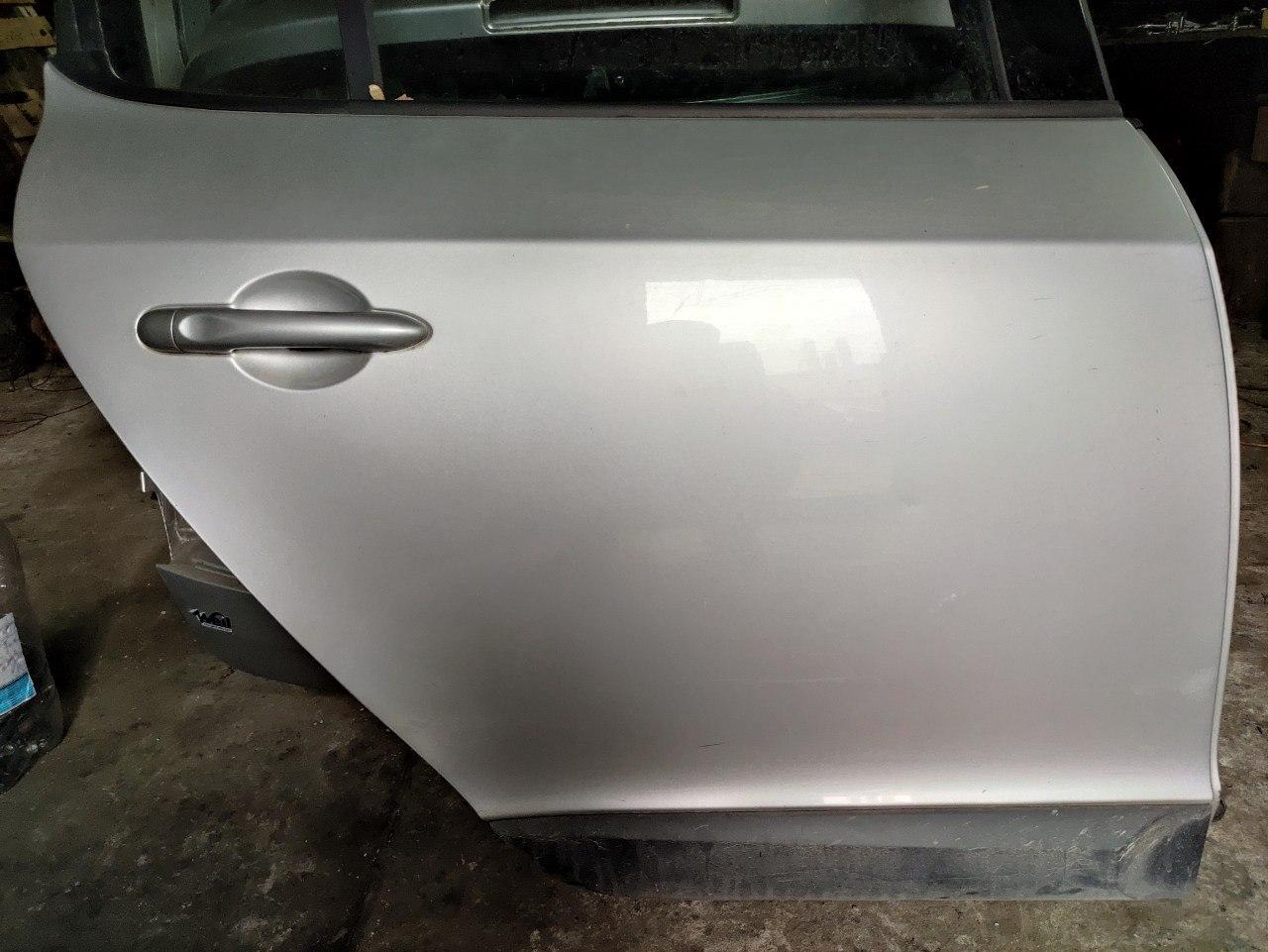 Дверка задня права (хетчбек) Renault Megane 2008-2016, 821008419R (Б/У)
