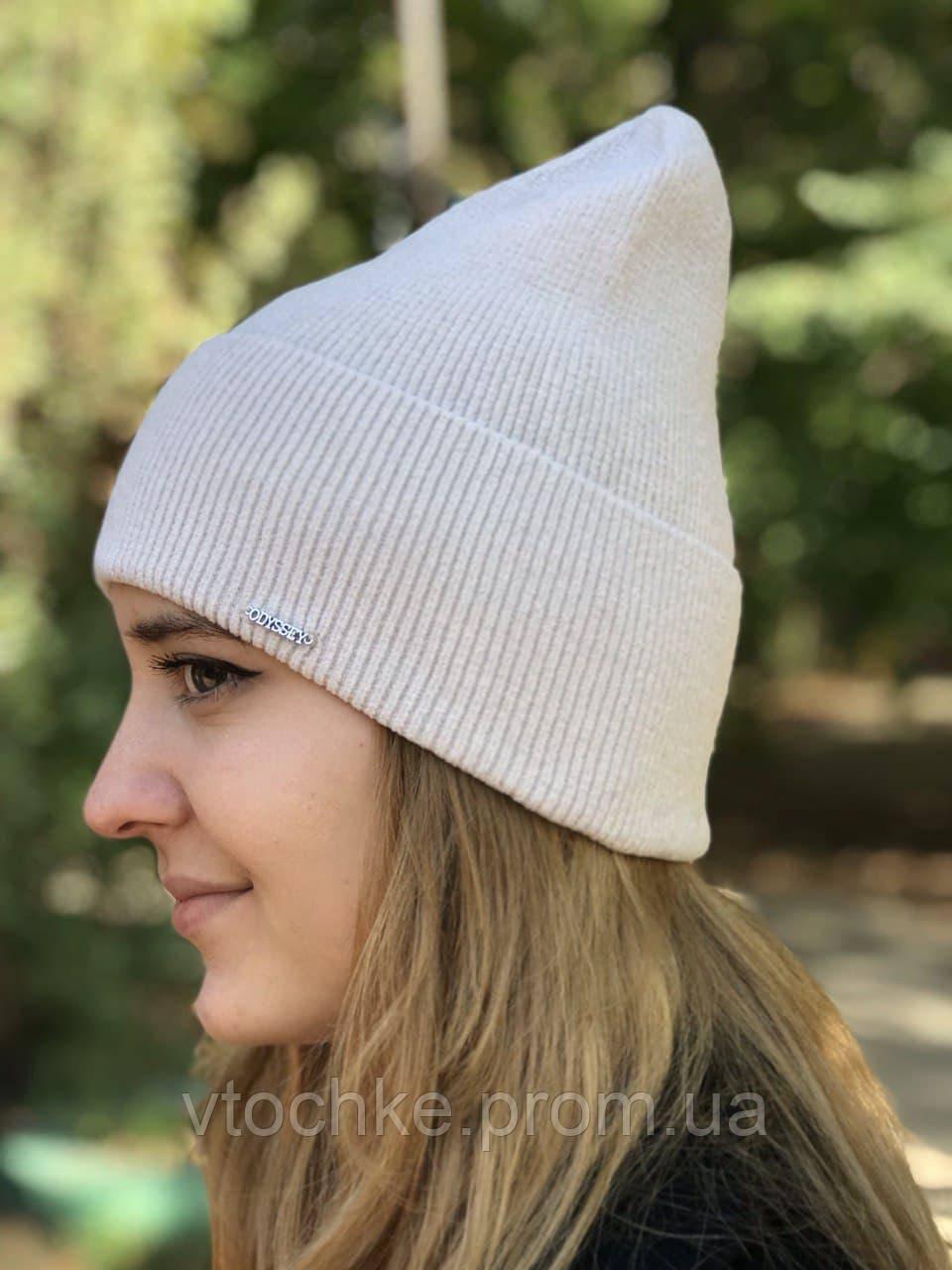 Жіноча велюрова шапка