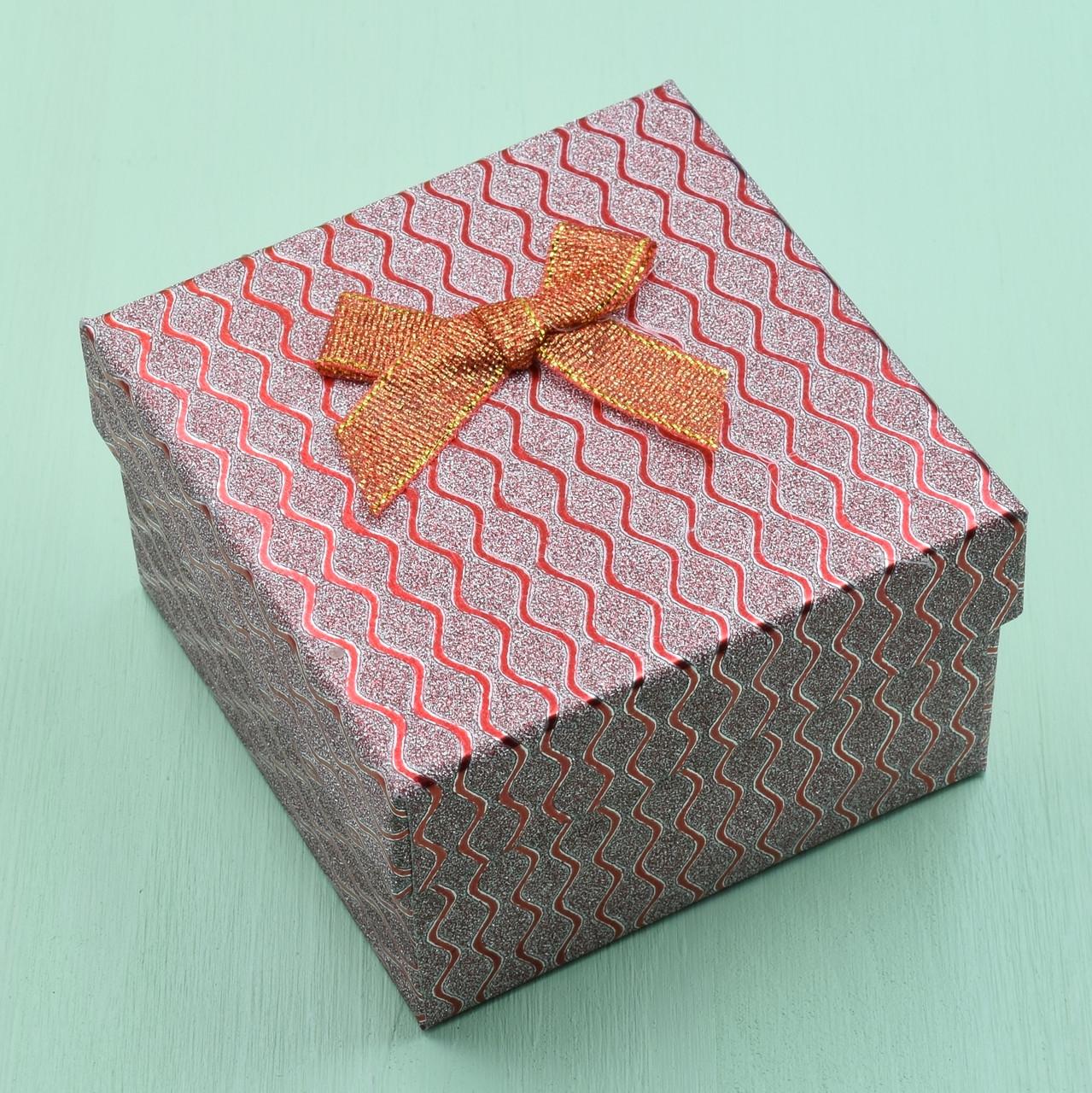 Коробочка красная для кольца серег 741185 размер 9х9 см