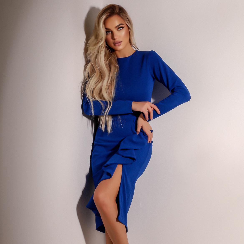 Женское синее платье с воланами