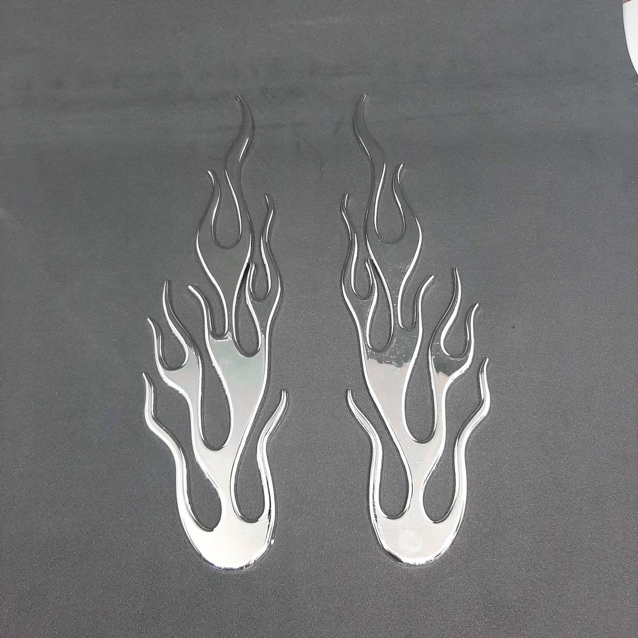 Декоративные накладки для установки на переднее крыло или дверь .