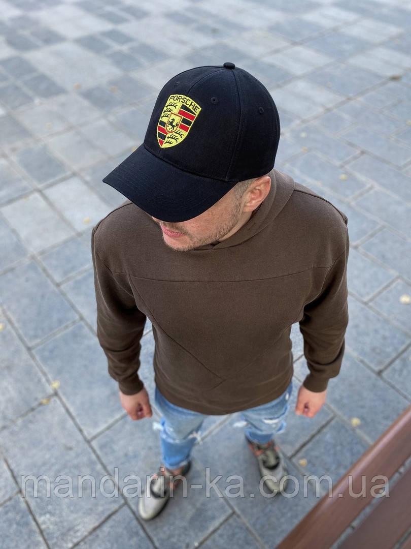 Чорна чоловіча кепка з вишитим логотипом репліка