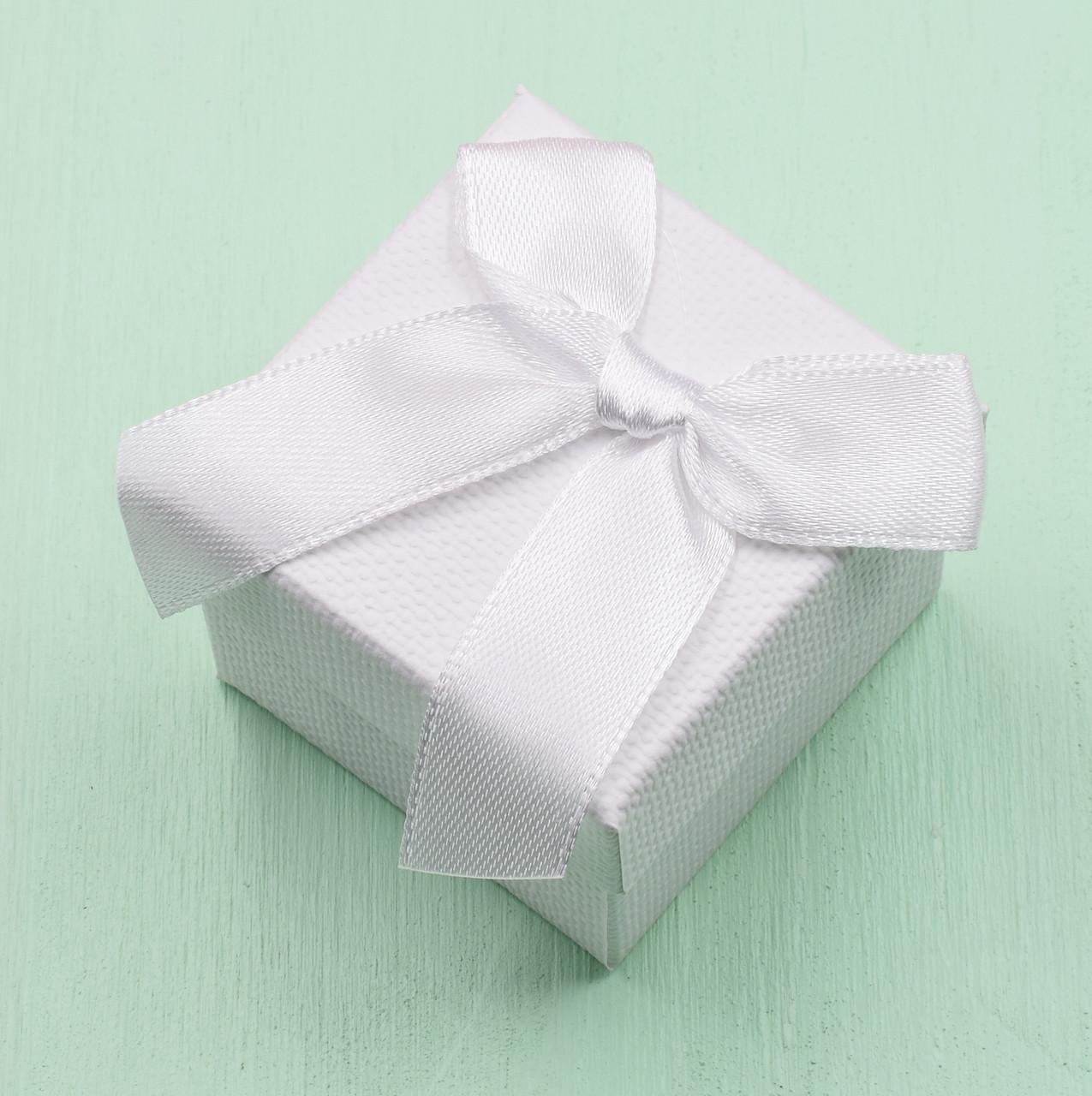 Коробочка для кольца-серег 741080 белая размер 5х5 см