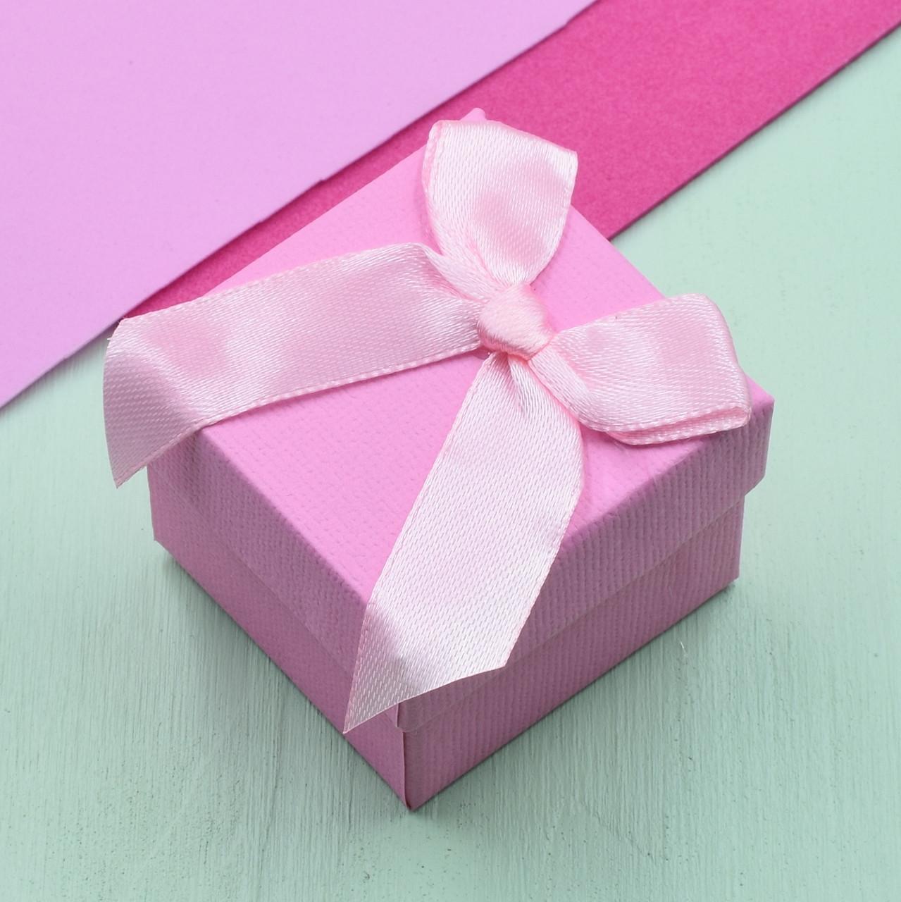 Коробочка для кольца-серег 741080 розовая размер 5х5 см