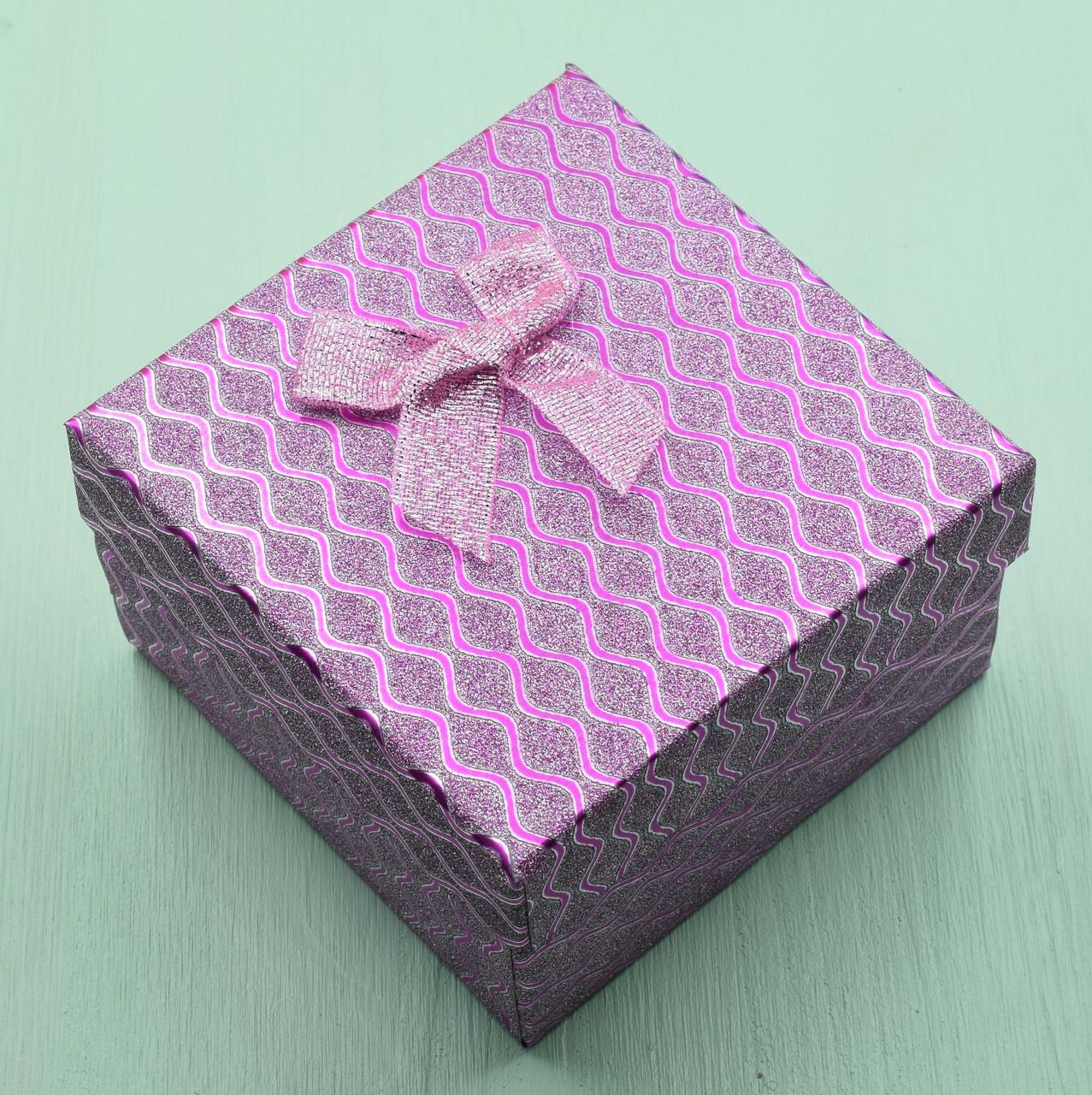 Коробочка розовая для кольца серег 741185 размер 9х9 см