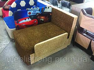 Детский диван с нишей для ребенкаМультик - принт Молния Маквин