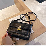 Женская классическая сумка на ремешке через плечо рептилия черная, фото 2