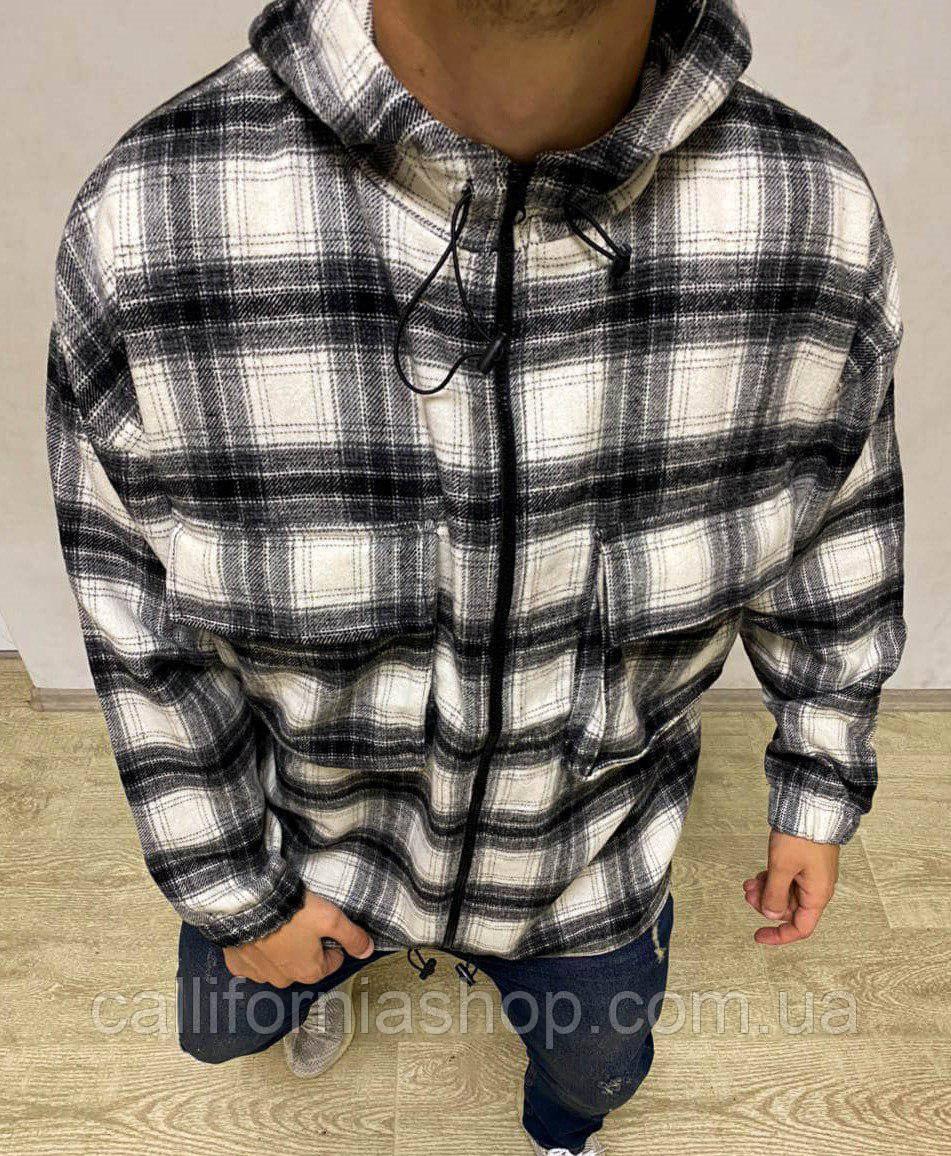 Байковая рубашка мужская в черно-белую клетку с капюшоном и карманами на молнии