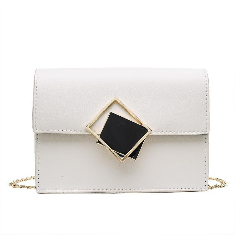 Женская классическая сумочка через плечо кросс-боди на цепочке белая