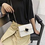 Женская классическая сумочка через плечо кросс-боди на цепочке белая, фото 2