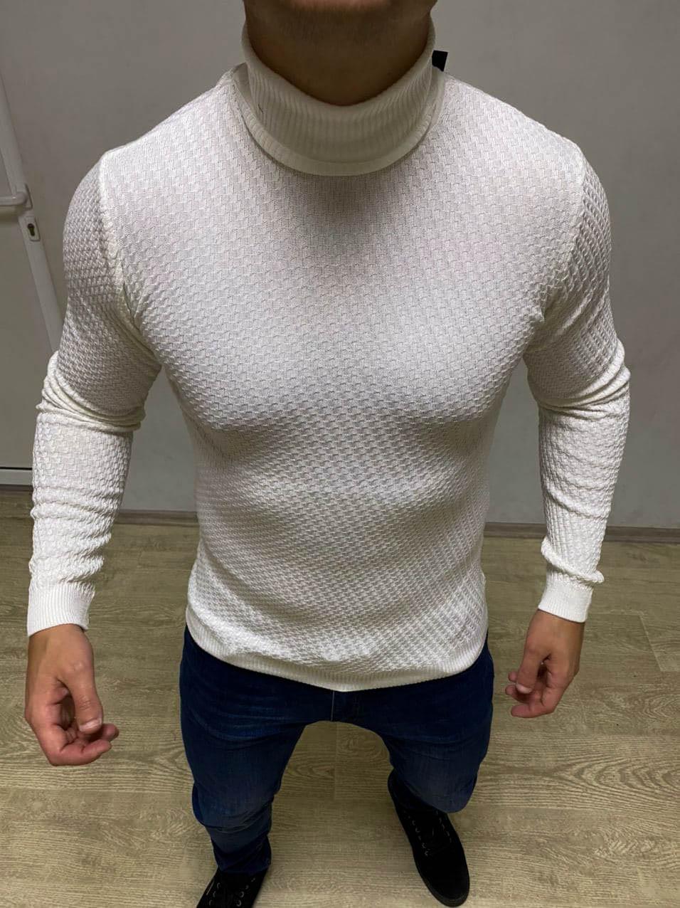 Мужской свитер белого цвета под горло S