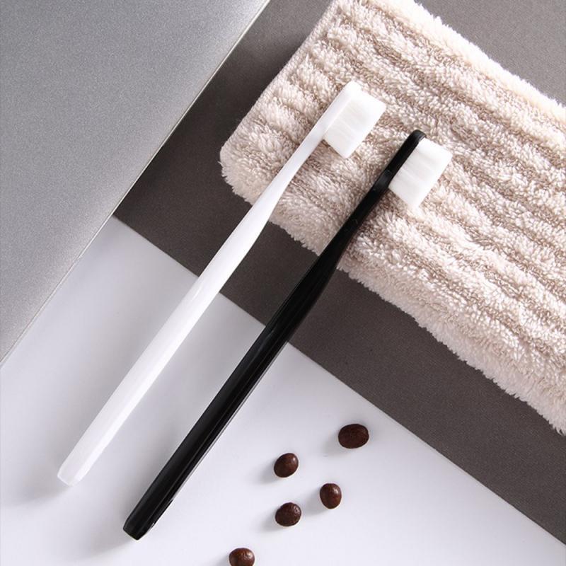 Зубная щетка Deep Nano Clean, в тубусе. Мягкая зубная щетка с нано щетинками