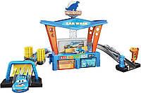 Игровой набор Автомойка Маккуина Диноко меняет цвет (Disney Cars Color Change Dinoco Car Wash) от Mattel