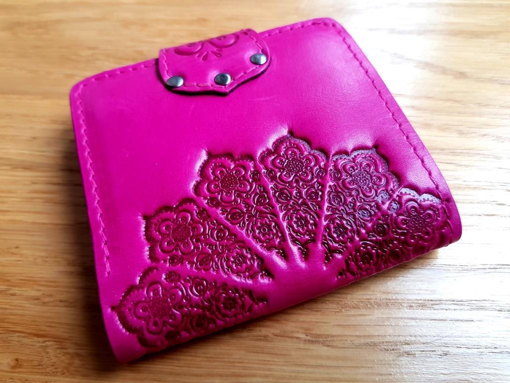 Маленький кожаный кошелек женский Солнце розовый фуксия, Восточный узор, Цветы Подсолнух Петриковка Птицы Коты