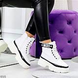 Молодежные яркие белые удобные женские ботинки с черным декором, фото 8