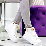 Белые женские кроссовки на флисе с ремешком на щиколотке и навесными замочками, фото 10