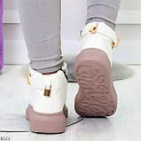 Белые розовые кроссовки на флисе с ремешком на щиколотке и навесными замочками, фото 2