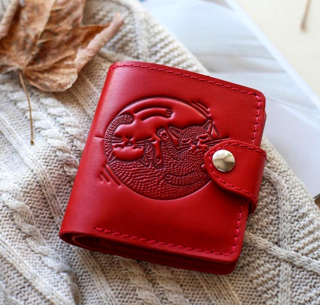 Маленький кожаный кошелек женский Коты красный, Собаки Птицы Восточный узор Цветы Подсолнух Солнце Петриковка