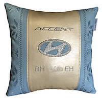 Подушка подарок корпоративный вышиванка с логотипом автомобиля