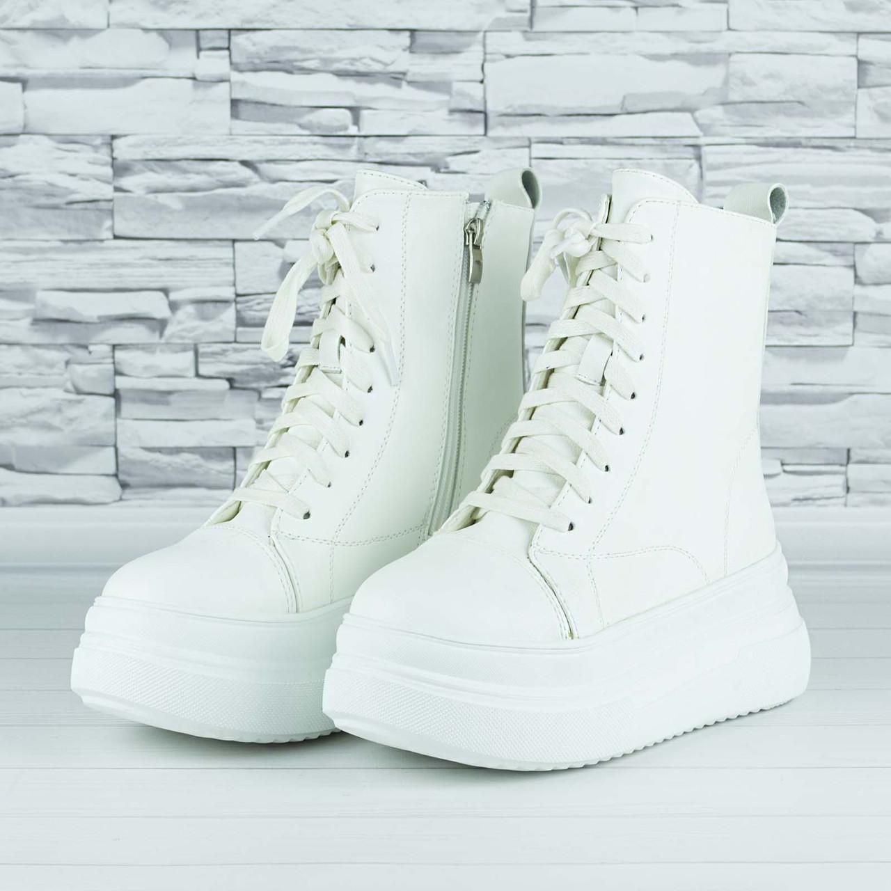 Ботинки женские зимние белые на шнурках и молнии эко кожа b-465