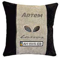 Сувенирная авто подушка с вышивкой логотипа Daewoo део подарок корпоративный