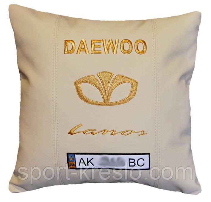 Вышивка на подушках, подушки в машину с логотипом 29