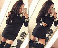Коротенькое чёрное платье с белым воротничком