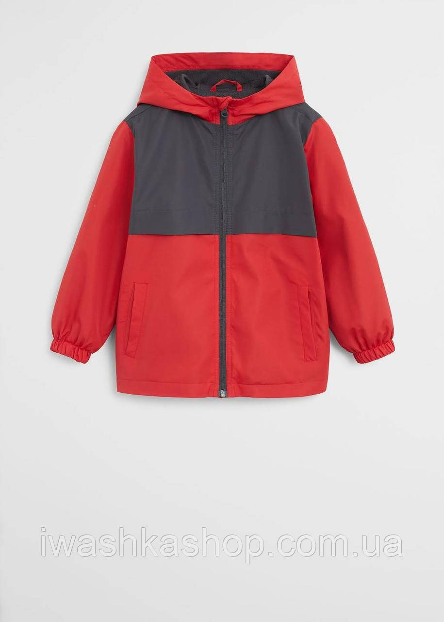 Водонепроницаемая красная куртка ветровка на мальчика 7 лет, р. 122, Mango