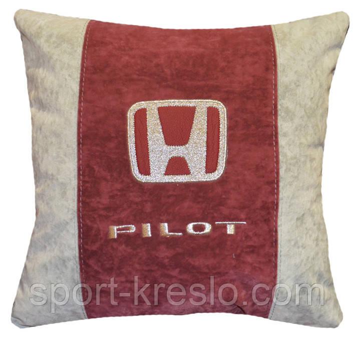 Автомобильная подушка хонда с вышивкой логотипа машины Honda подарок автомобилисту