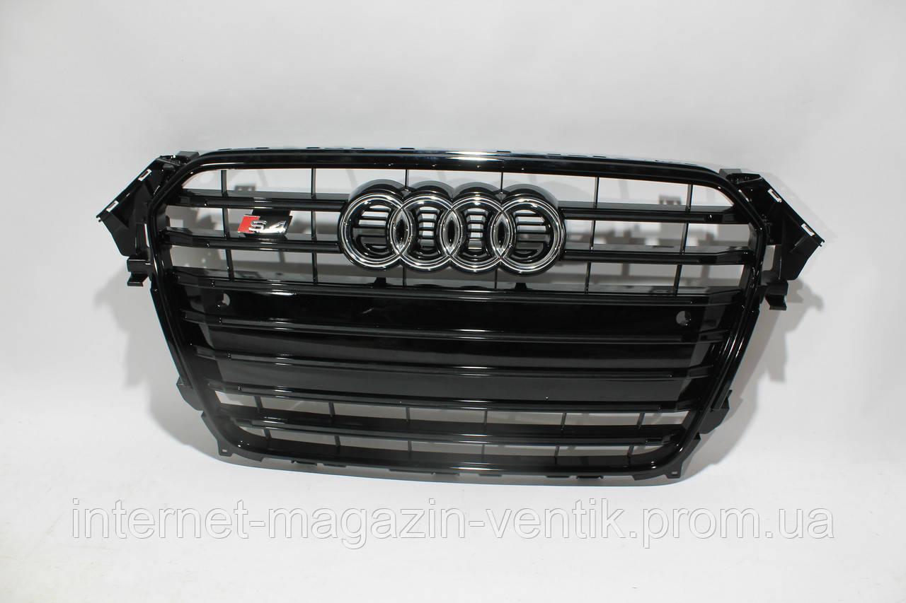 Черная решетка радиатора Audi A4 S4 2012-2015