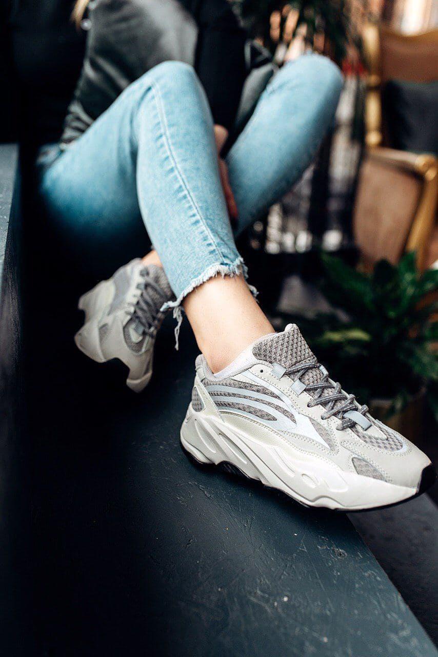 Кроссовки женские Adidas Wmns Yeezy Boost 700 V2 Static EF2829 Адидас Изи Буст (Non Reflective) Серебристые