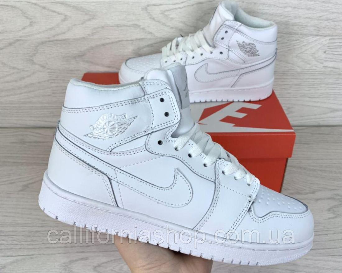 Кроссовки женские белые зимние Nike Air Jordan 1 Retro Найк Аир Джордан 1 Ретро кожаные на меху 39 размер