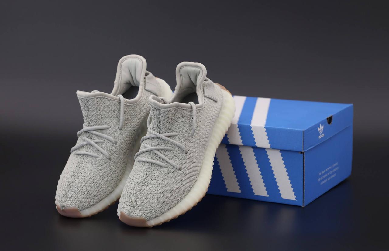 Женские кроссовки Adidas Yeezy Boost 350 серые