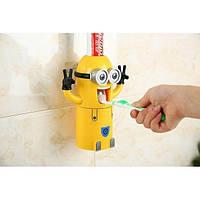 Автоматический дозатор для зубной пасты с держателем для щеток Миньон M11-278556